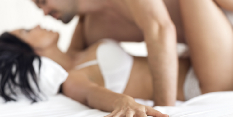 sexo seguro y uso del condón. alt